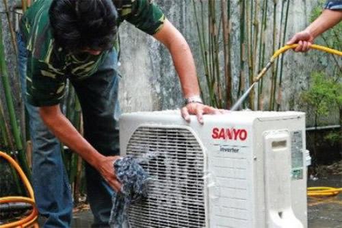 vệ sinh và bảo dưỡng cục nóng của điều hòa