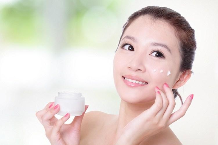 Chăm sóc da khi ra ngoài môi trường diều hòa