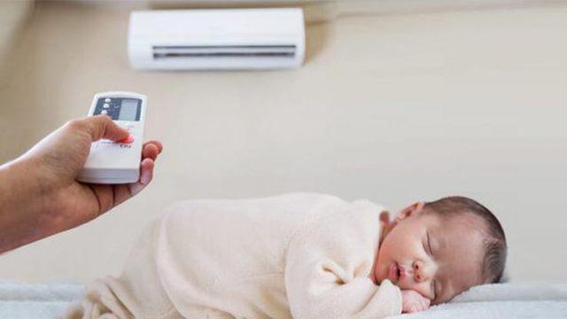 trẻ sơ sinh nằm điều hòa có tốt không
